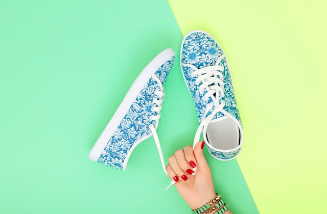 Shoes and Accessories to Gift and Get