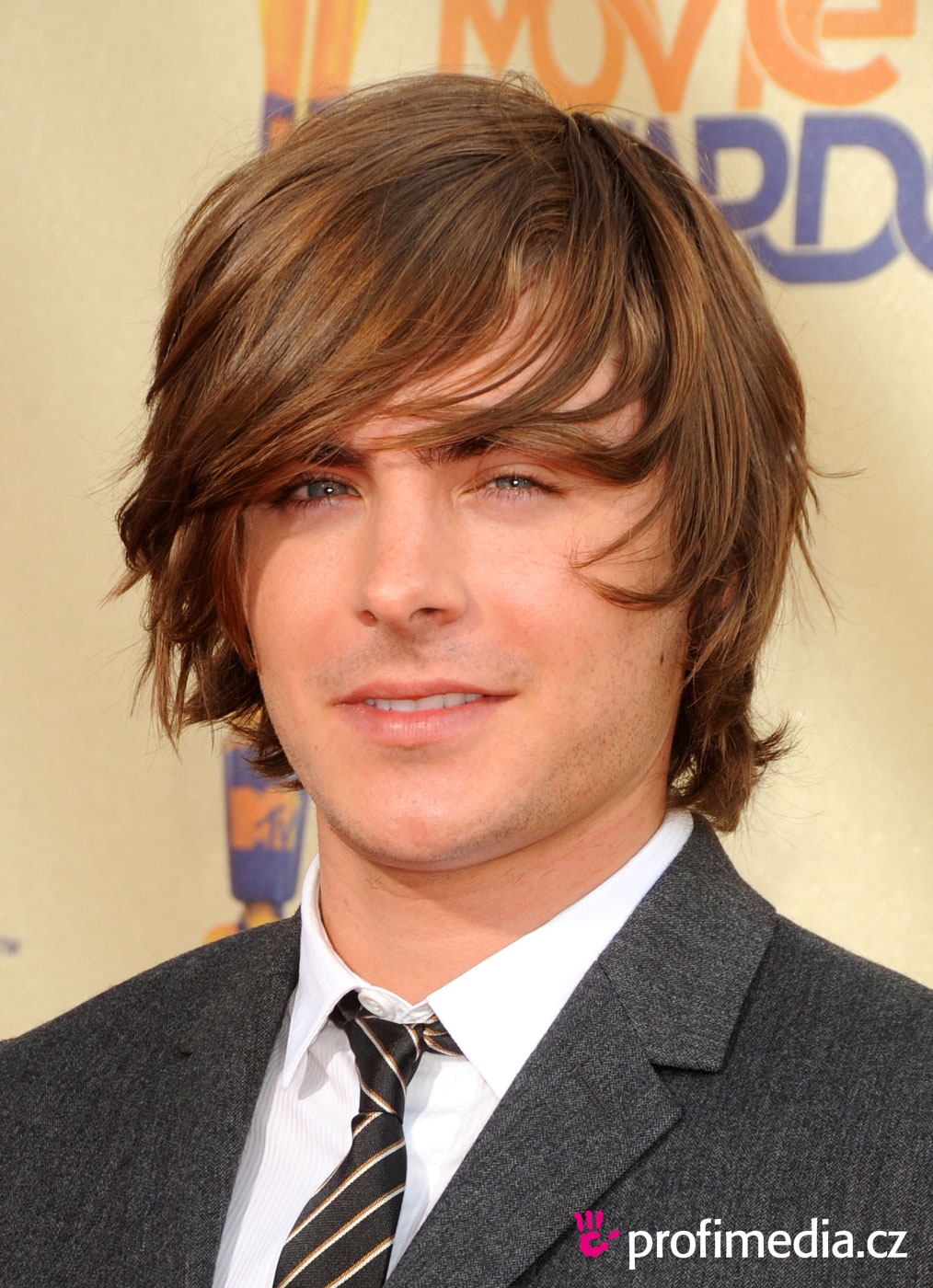 Hairstyles For Men: Zac Efron Hairstyles Are Becoming Popular