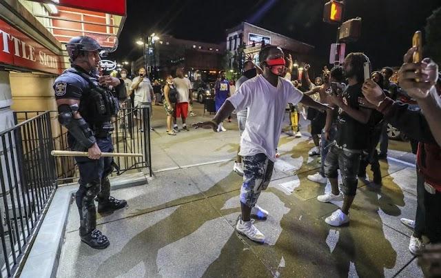 Під час протестів і заворушень у США загинуло 11 людей