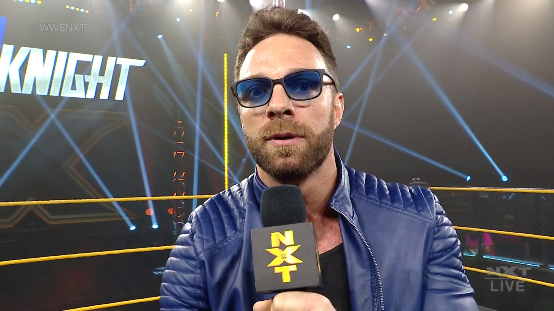 LA Knight envia aviso a todas as estrelas de topo do NXT em sua estreia na WWE