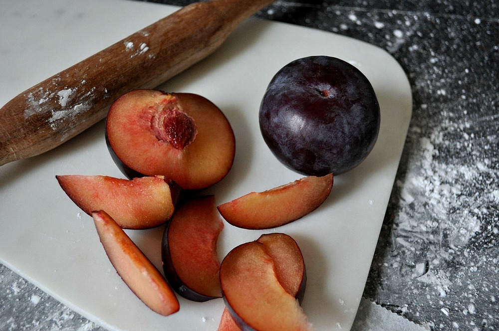 simple winter plum tart recipe