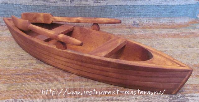 деревянная вазочка-конфетница в виде лодки