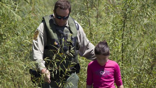 EEUU se plantea encerrar a niños inmigrantes en bases militares