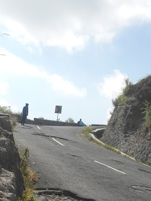 jalan menuju gunung kelud