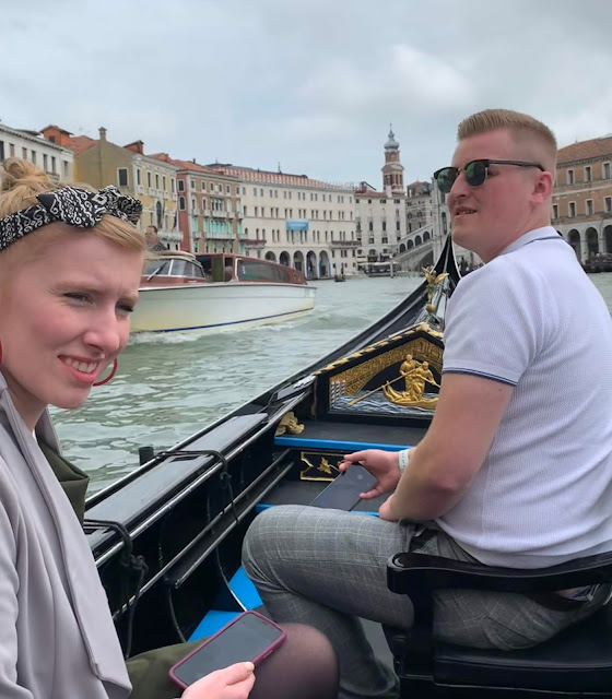 madmumof7's son and FDiL on gondola in Venice