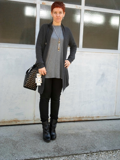 Cardigan, studded bag, black skinnies, wedges