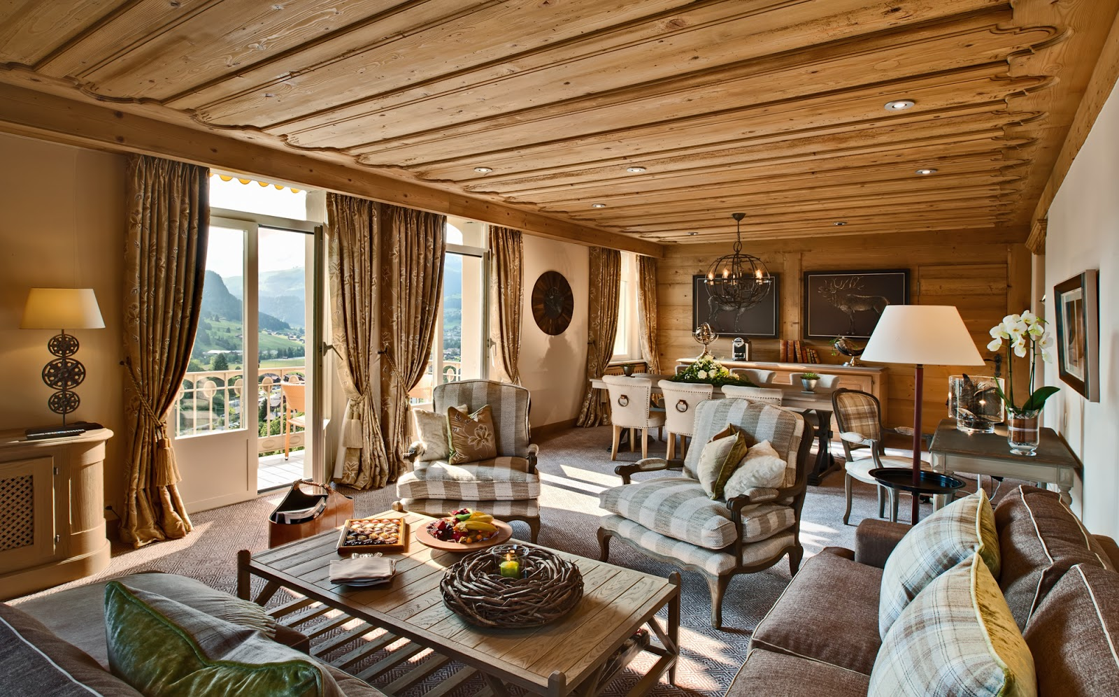 Deluxe Suite Living Room. Photo: Gstaad Palace.