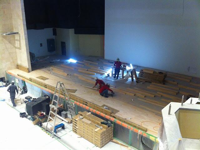 舞台施工の様子