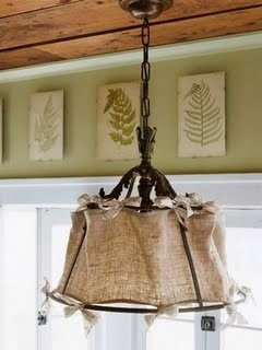 This DIY burlap lamp shade is a perfect for a farmhouse style kitchen