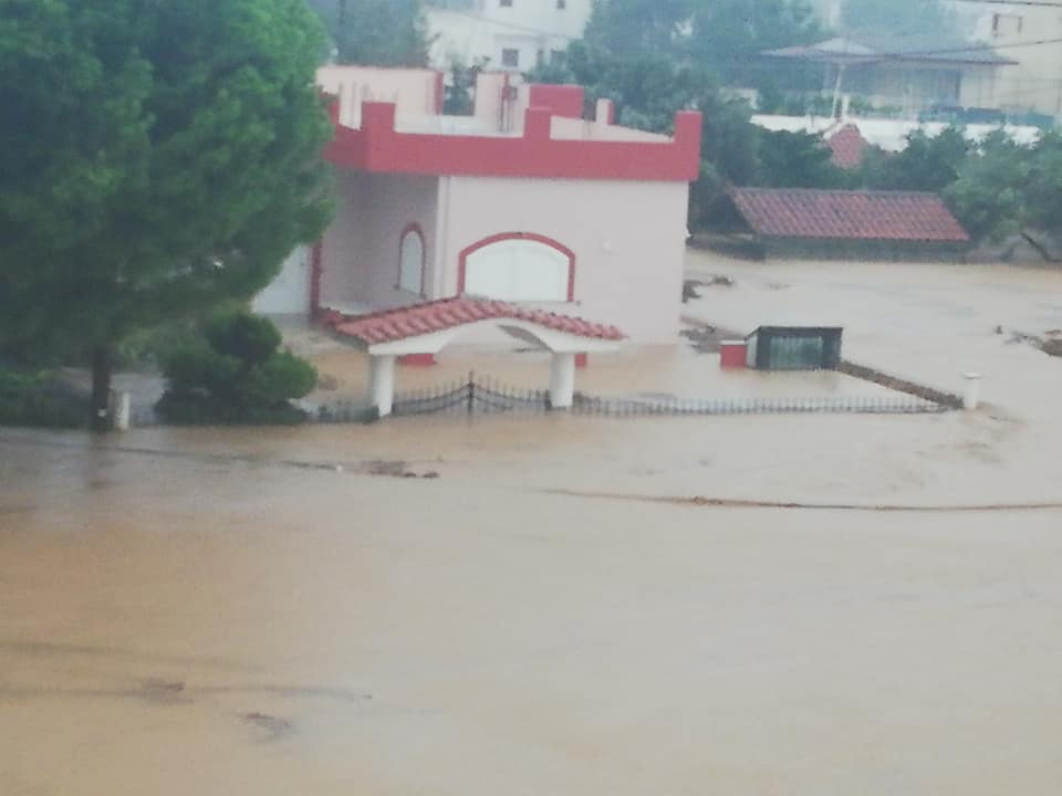 Σοβαρά προβλήματα εντοπίζονται στο Μπούρτζι του δήμου Χαλκιδέων. (πηγή φωτογραφίας: Απόστολος Βαρδακώστας/facebook.com)