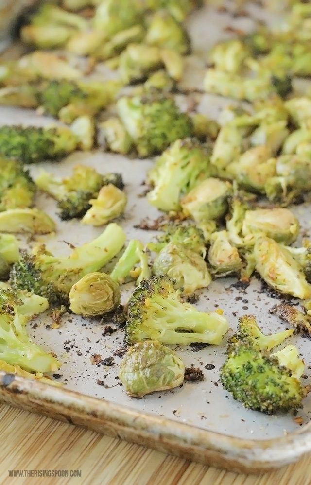 Quick & Easy Roasted Brussels Sprouts and Broccoli Recipe (Vegan & Paleo)