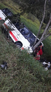 Acidente com Ônibus na rodovia entre Jacupiranga e Eldorado neste 04/08
