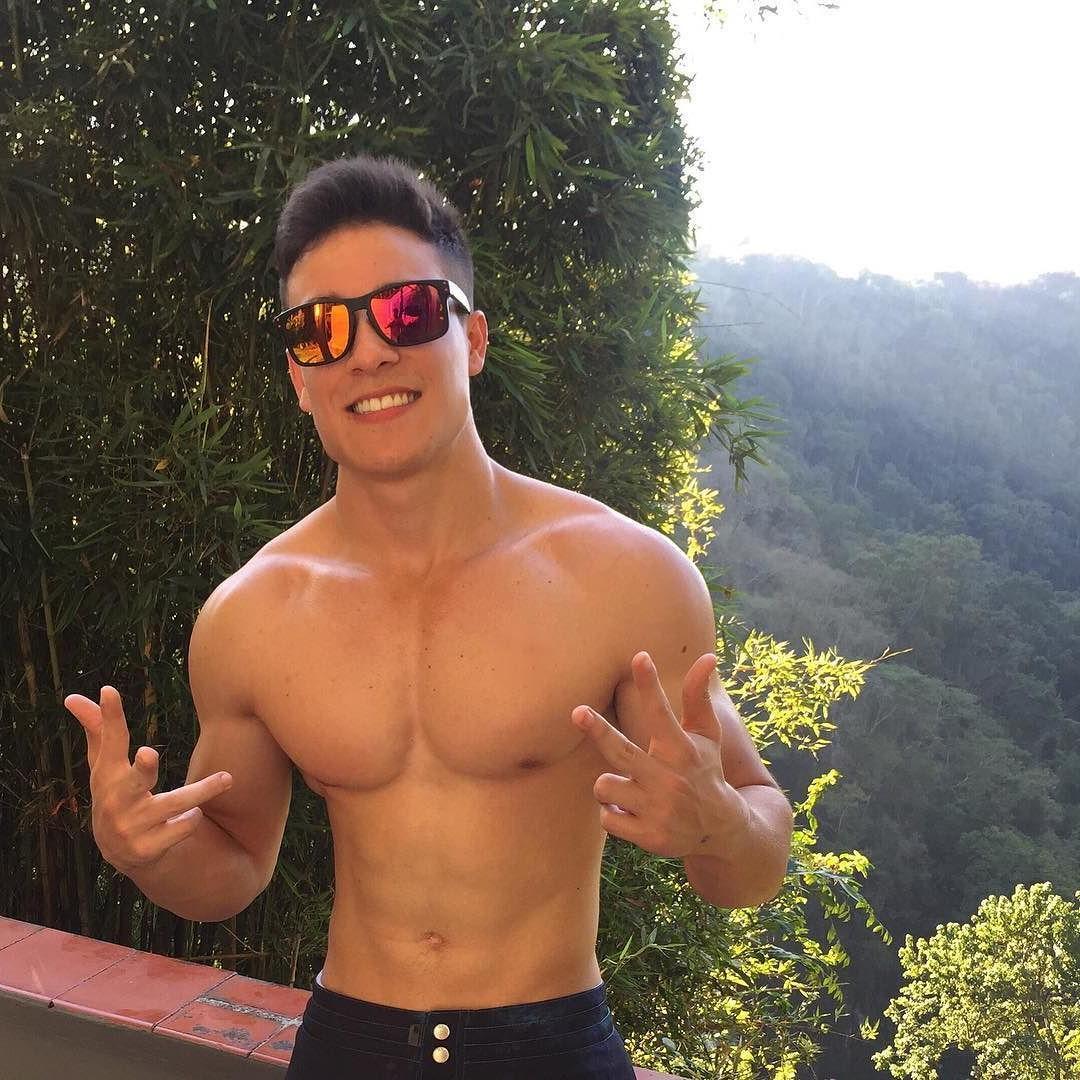 cute-fit-shirtless-korean-guys-smiling-sunglasses