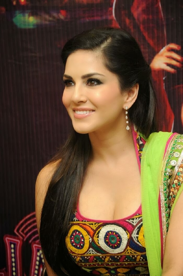 Hot Sunny Leone Naked Photo