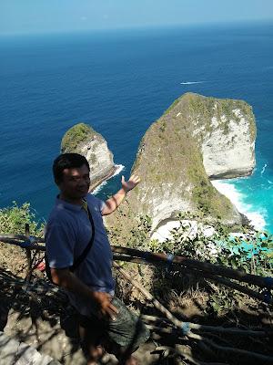 Nyoman Pasek Kelingking Beach Nusa Penida