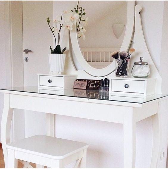 decoración_dormitorio_cama_tocador_vestidor_tonos_neutros_lolalolailo_18