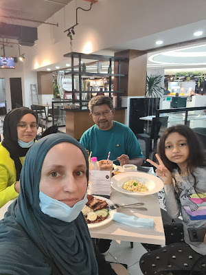 raudhah grocer malakat mall, malakat mall online shopping, malakat mall online delivery, bunch-oh, bunch-oh restaurant, blog with cris, malaysiatravelinfluencer, malaysia travel influencer, cristina emilia stefan, restaurant review malaysia, cyberjaya restaurant review,