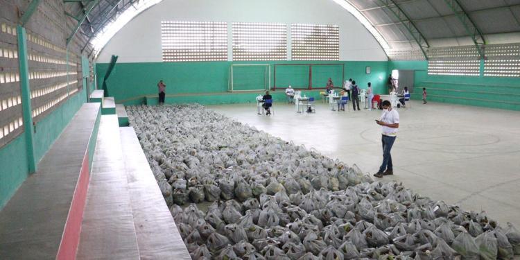 Prefeitura distribui 7 Toneladas de alimentos com população carente de Cuitegi