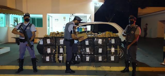 Após abordagem na SP-270, Polícia Rodoviária apreende mais de 400 kg de maconha