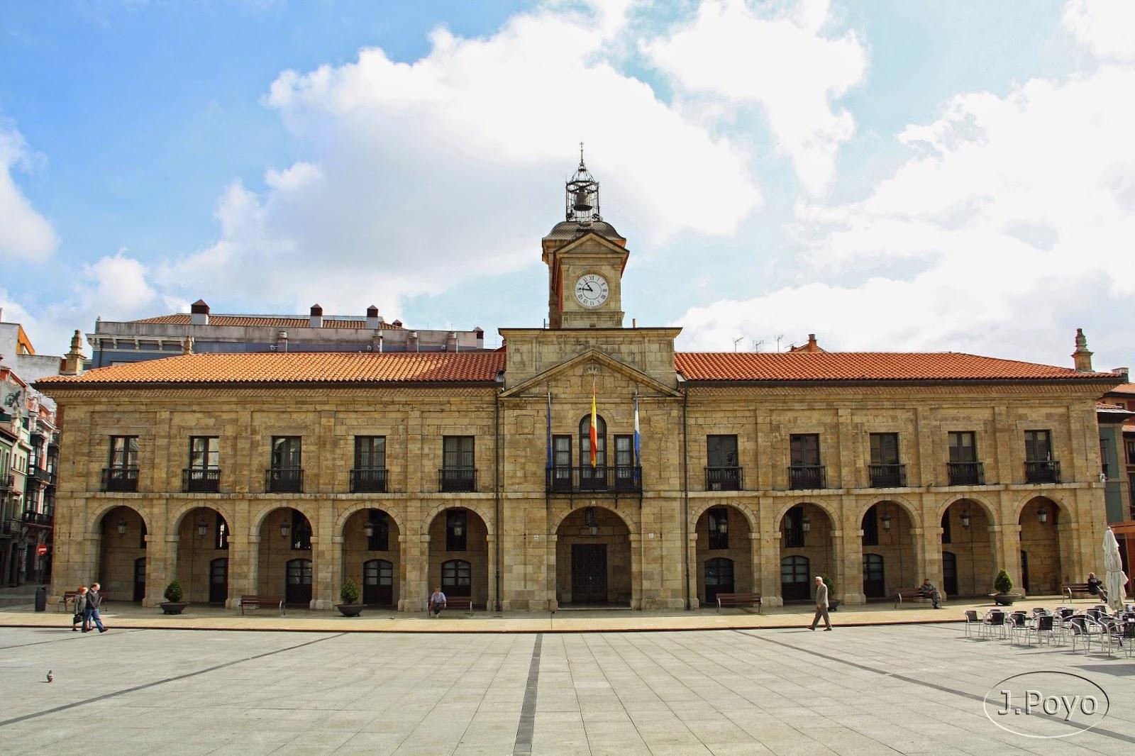 Ayuntamiento de la Plaza de España de Avilés
