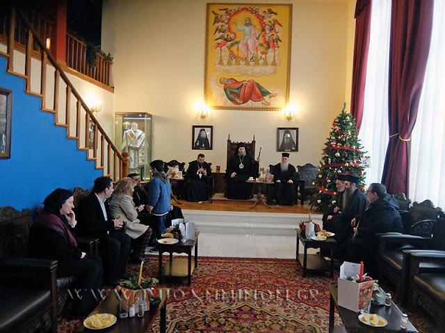 """Μητρόπολη Ιωαννίνων: Ο Καθιερωμένος """"Ζωμός"""" Μοιράστηκε Στους Πιστούς Μετά Τη Λειτουργία Των Χριστουγέννων"""
