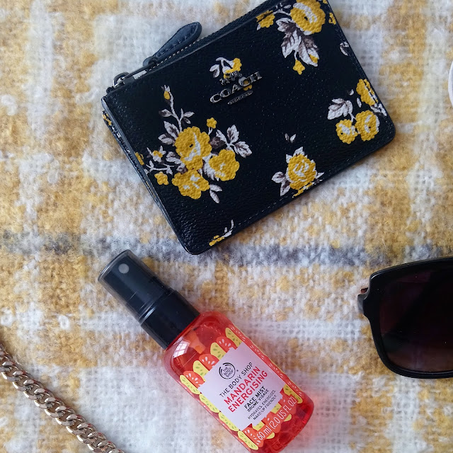 Holiday Handbag Essentials