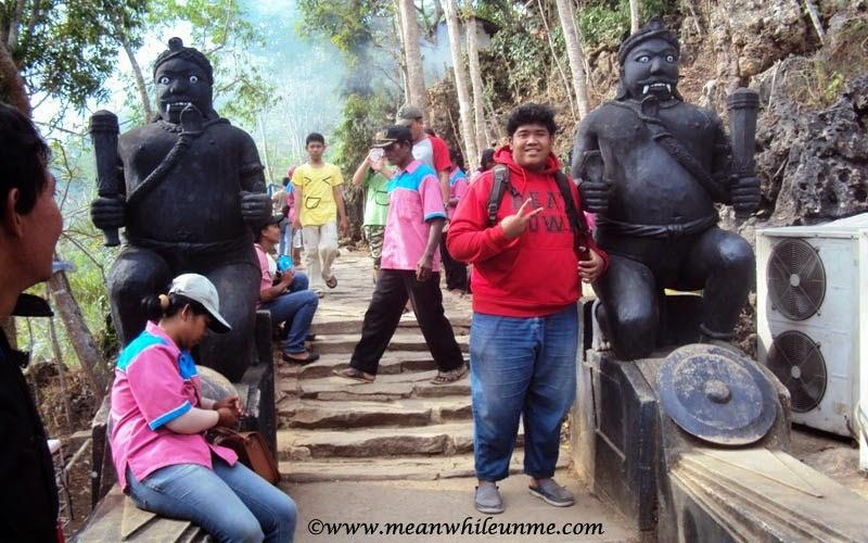 Patung di Goa Gong, Pacitan