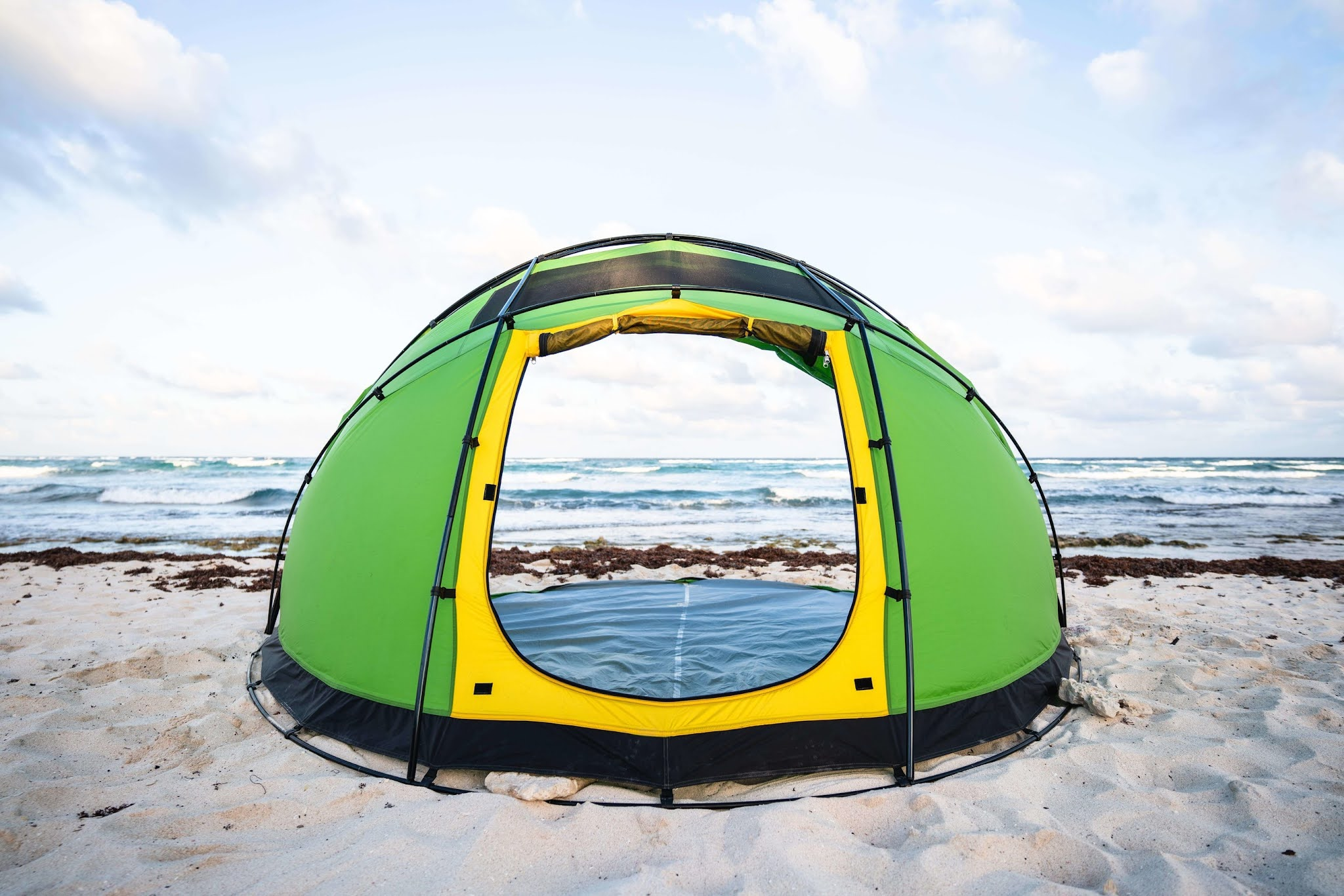 The World's First Retractable Tent: The Escape M4