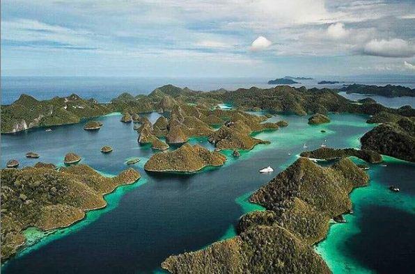 Informasi Terlengkap Seputar Destinasi Wisata Raja Ampat Papua Barat Media Travelling