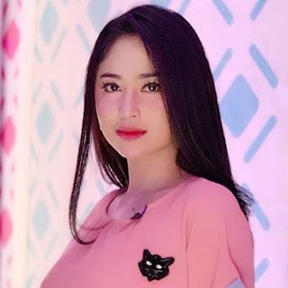 Download Lagu Mp3 Video HOT Dewi Perssik - Cahaya Mentari