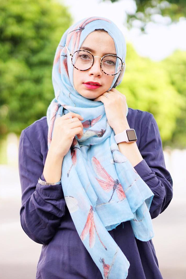 Cewek IGO Jilbab Kacamata bergo