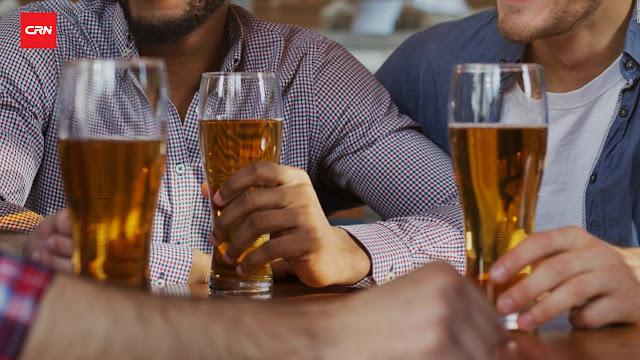 Con cervezas gratis, EU promoverá vacunas anticovid