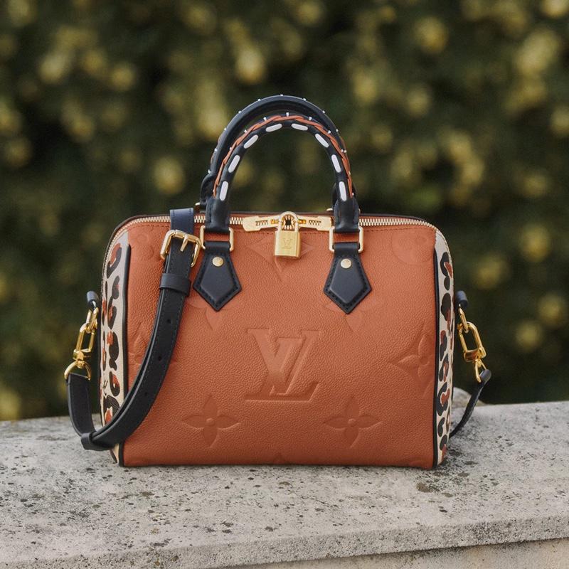 Speedy Bandoulière 25 handbag from Louis Vuitton Wild at Heart fall 2021 collection.
