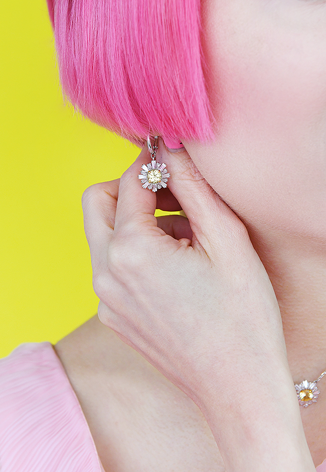 Sara is in Love with… Swarovski Mother's Day Collection Kuoni You are my sunshine jewellery  pink hair influencer switzerland zurich flower crown accessories