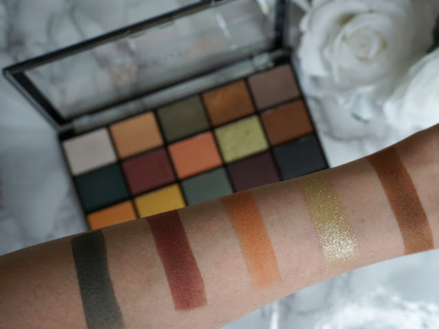 second row without flash of the Reloaded Iconic Division by Makeup Revolution palette