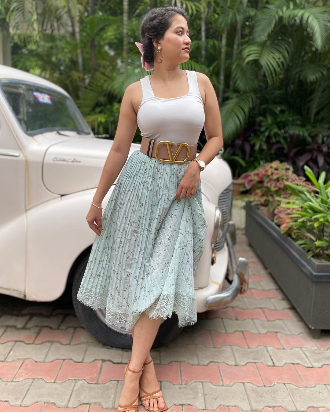 Shweta Sharma in White Outfit- Instagram Photos Images Wallpapers