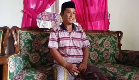 Lagi Sujud Pimpin Shalat Berjamaah, Seorang Imam Masjid di Pinrang Dihantam Balok Kayu