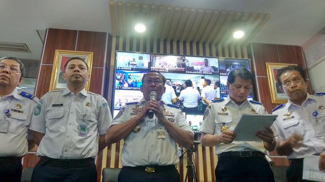 Kemenhub Ungkap Proyek Kereta Cepat China Jadi Pemicu Banjir Tol Jakarta-Cikampek
