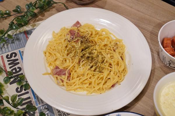 台南永康區美食【魔法咪嚕寵物主題餐廳】餐點介紹-比較小盤白醬培根義大利麵