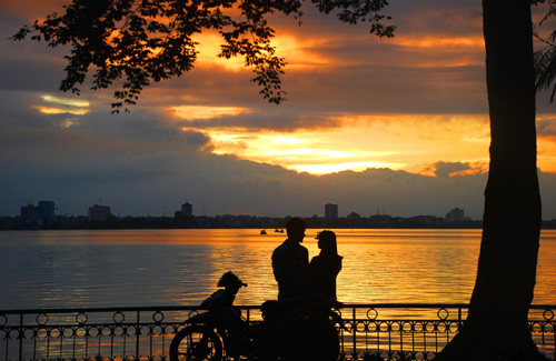 West Lake is poetic in the heart of Hanoi