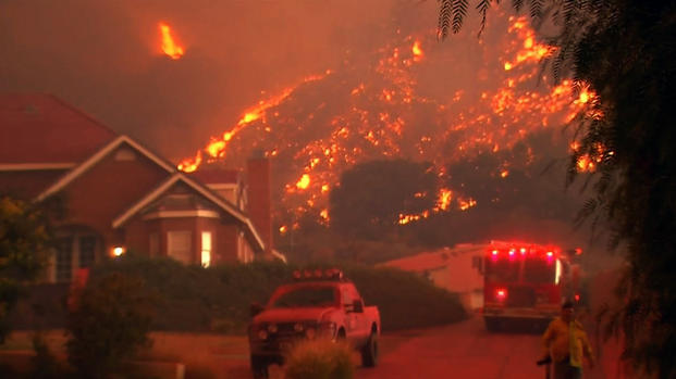 Emergency declaration for Los Angeles County as 10,000 homes evacuated 07-24-2016-fire-sand-wildfire-clarita-1