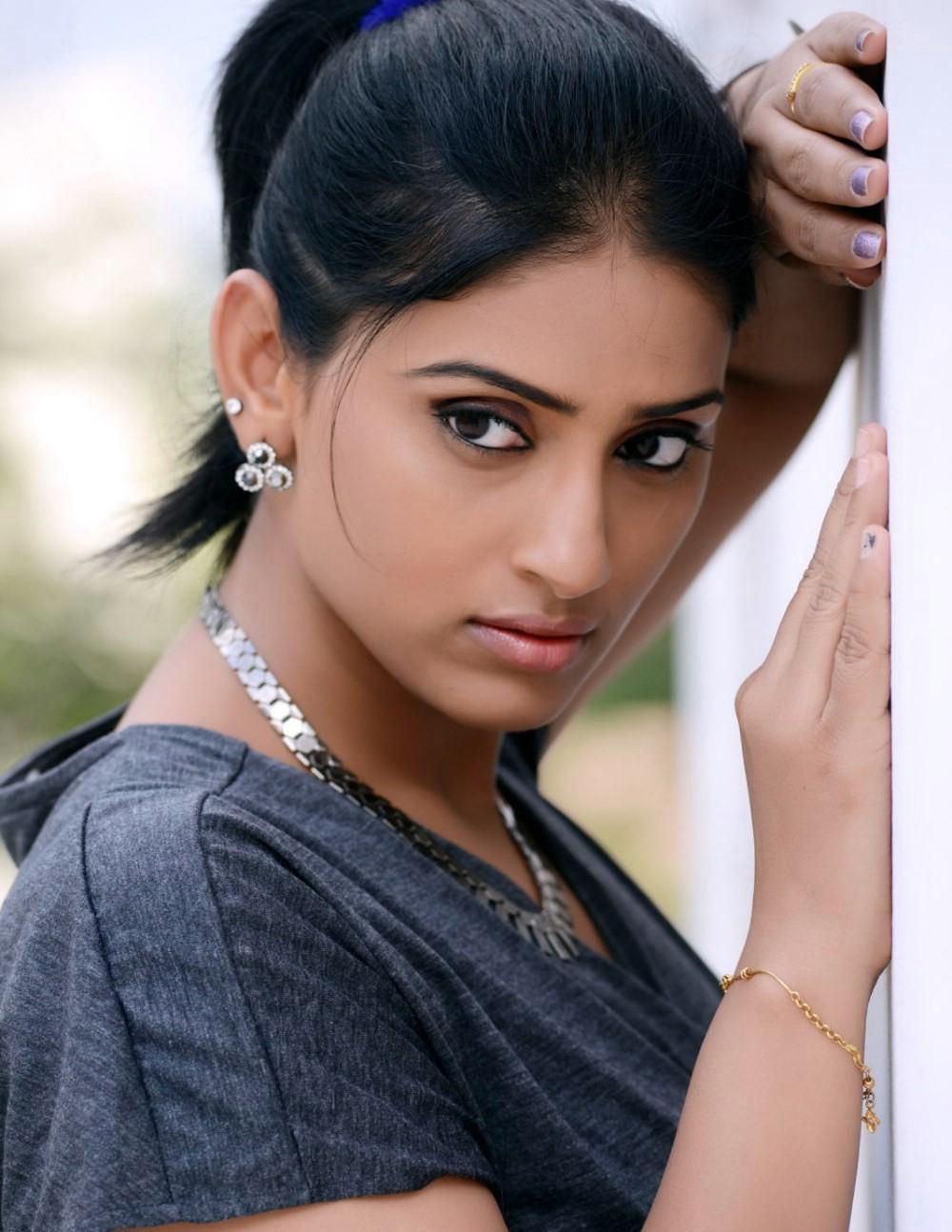 Sri Sudha Telugu Actress Photo Shoot Images 2018 ~ High