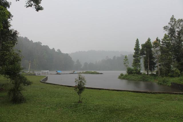 Danau Situ Gunung Kadudampit Sukabumi