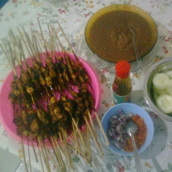 Happy Cooking: Masak Sate Ayam, Yuk!