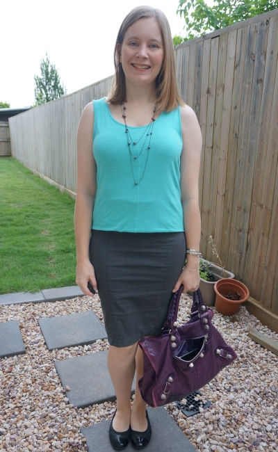 turquoise tank and pencil skirt outfit accessorised with big purple bag | away from the blue