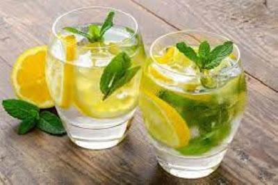 الماء مع الليمون
