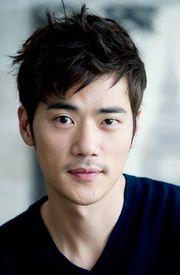 Biodata Kim Kang Woo  pemeran Min Sun Jae