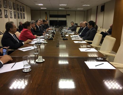 Competitividade do vinho brasileiro é debatida com ministro da Fazenda