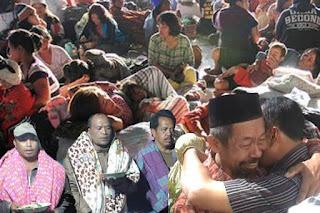 Minim Bantuan dari Pemerintah, Korban Tanah Longsor (Desa Rano) terpaksa Minum Air Sungai Commando