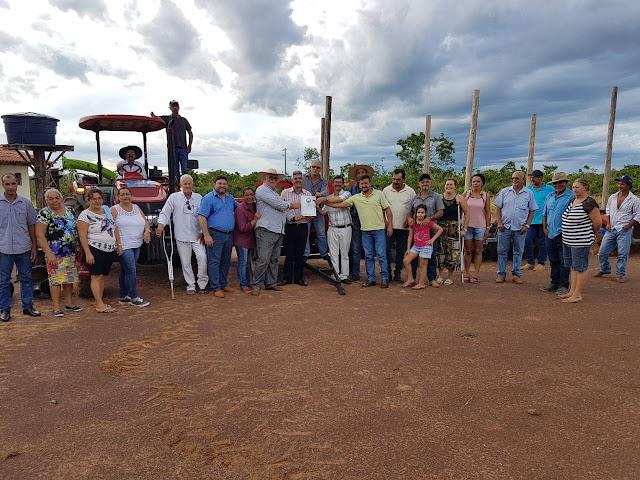Fábio Junqueira entrega patrulha mecanizada aos agricultores do assentamento Antônio Conselheiro